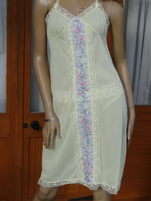 AUTHENTIC 1950/60'S YELLOW SILKY NYLON FULL SLIP  SIZE:- 38  #A12